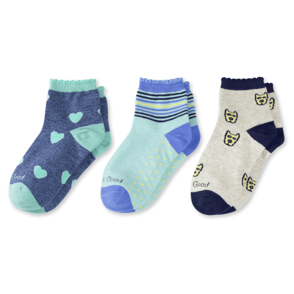 Our quarter socks are made to pop a little optimism into your wardrobe with a scalloped top and styled to peek out of your shoes for the world to see! They´ve also got a comfort toe and soft stretch welt for optimal wearability.